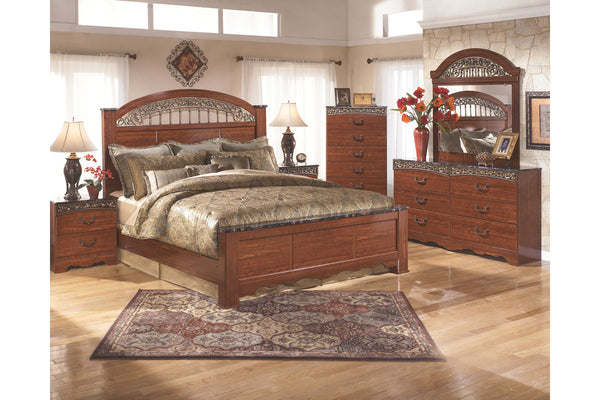Fairbrooks Estate King Poster Bedroom Set