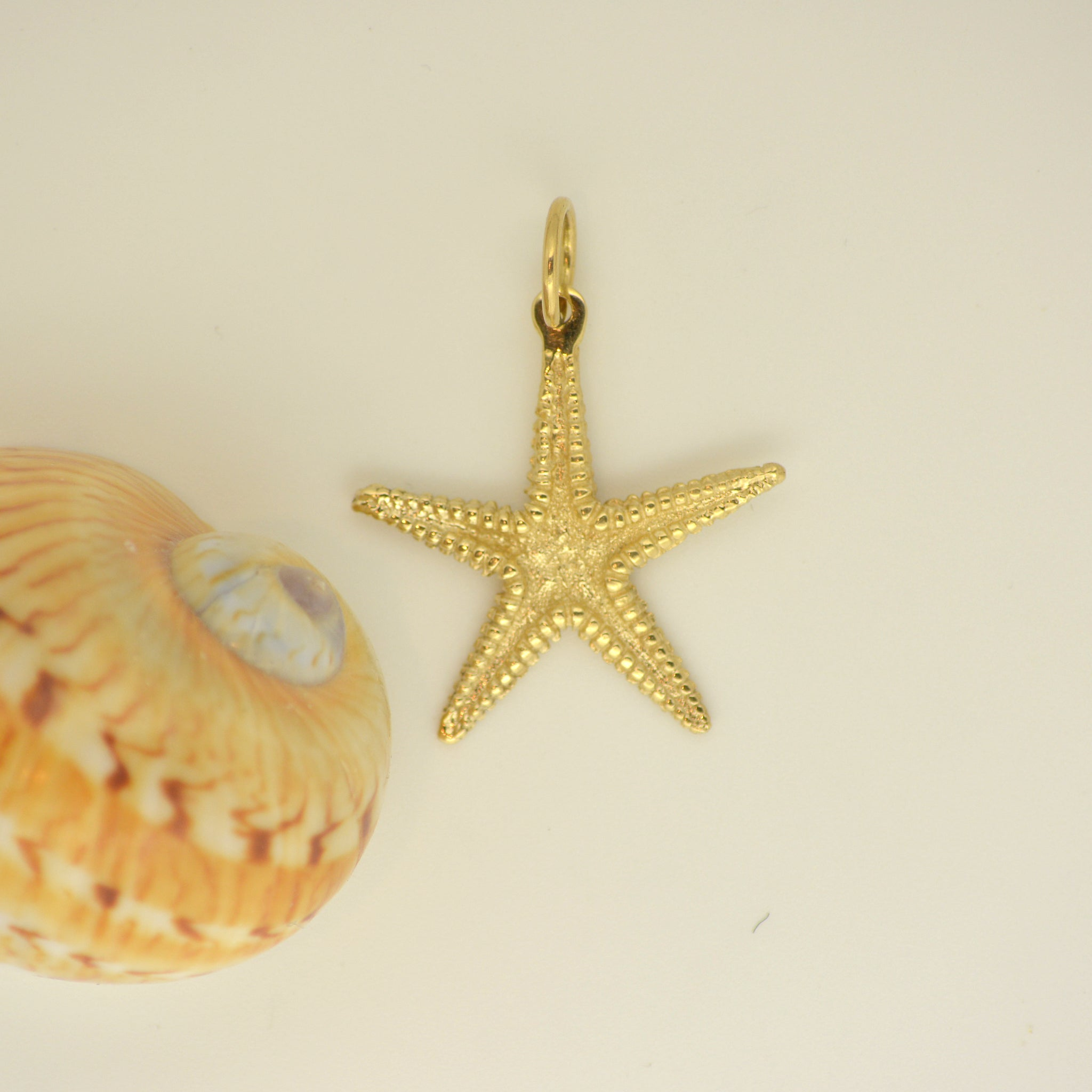 14K Gold Starfish pendant