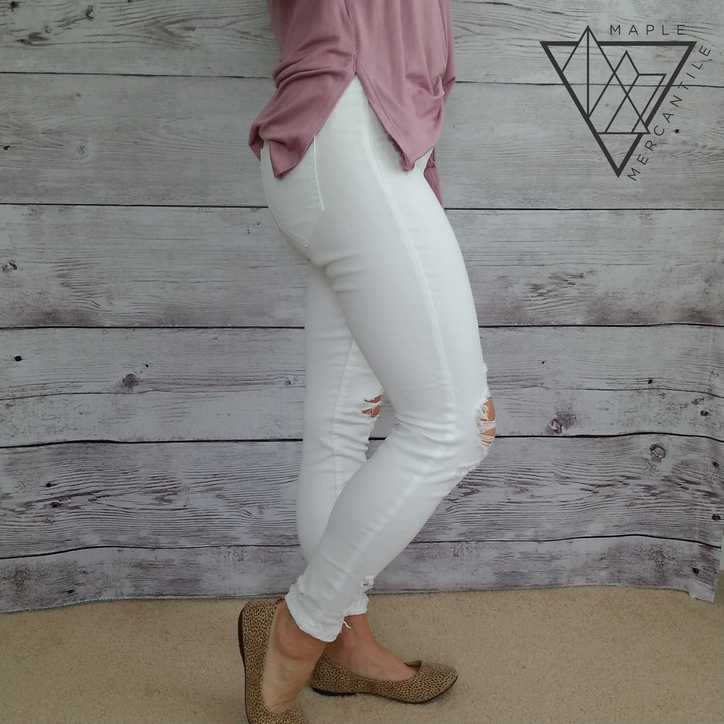 Distressed White Cropped Jeans