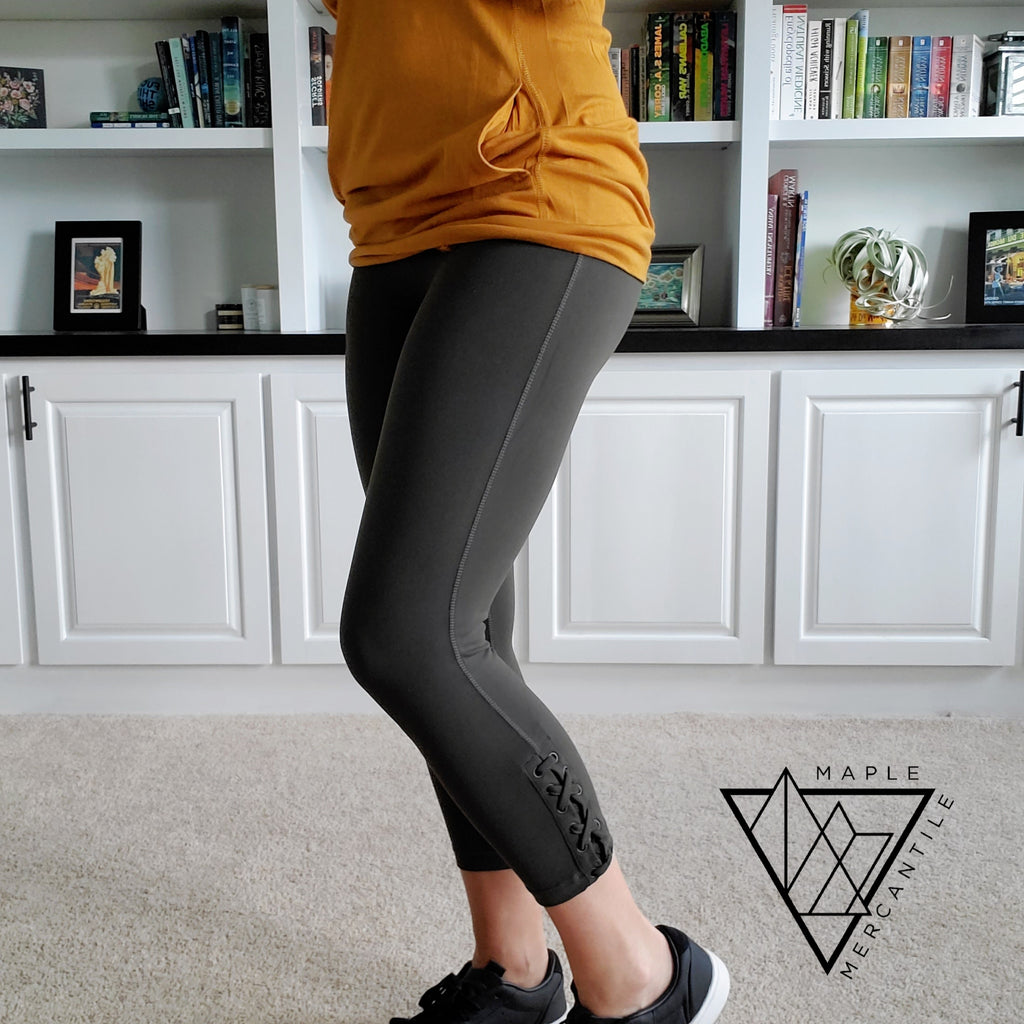 Criss-Cross Capri Leggings