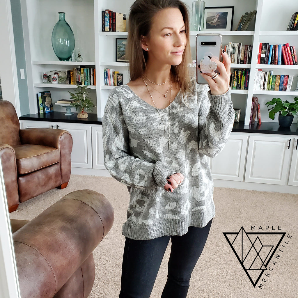 Oversized Leopard Sweater - Grey