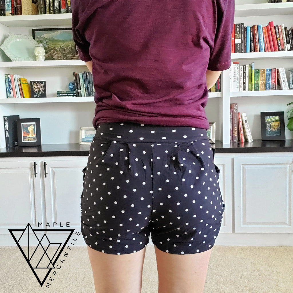 The Lounge Short - Black Dots