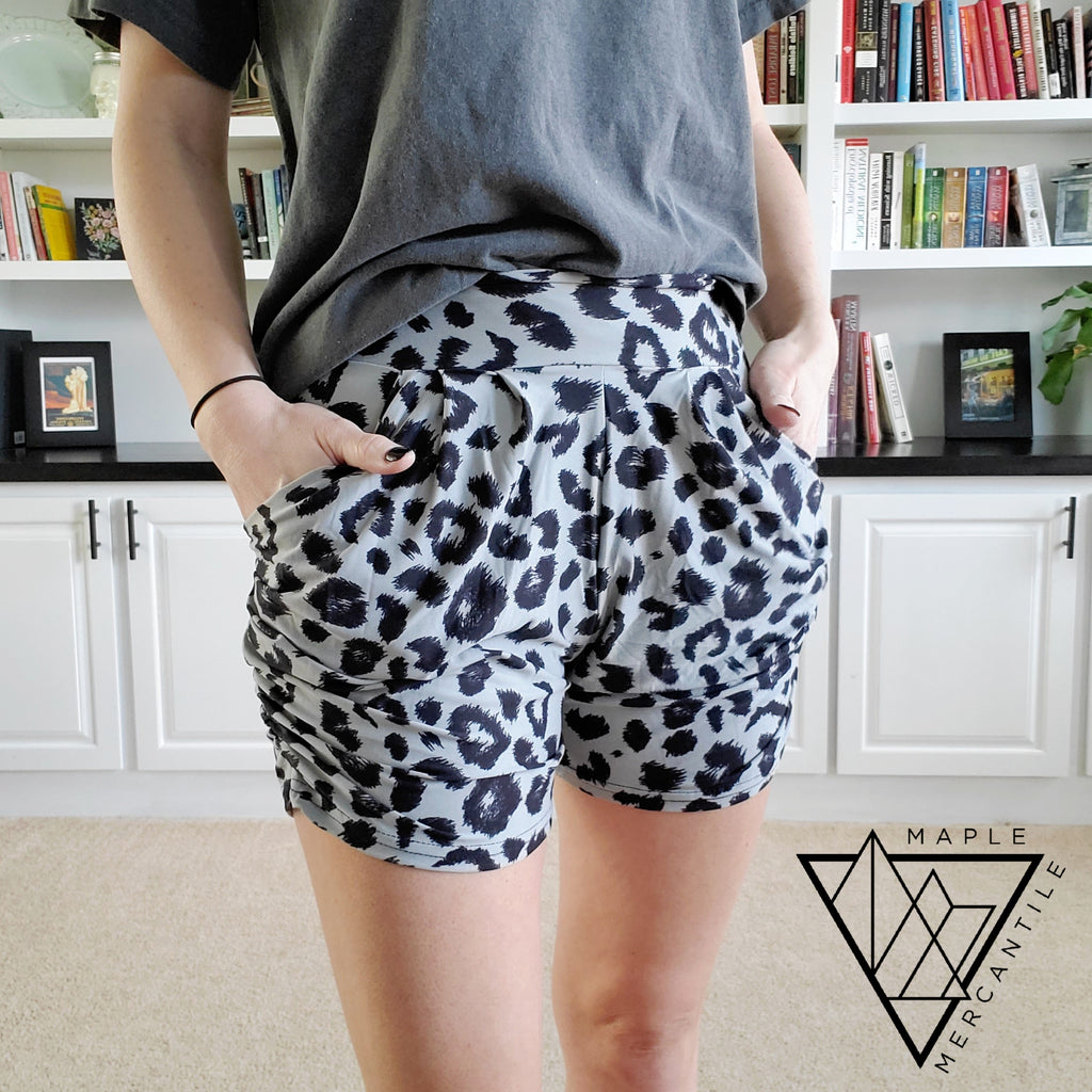 The Lounge Short - Grey Leopard