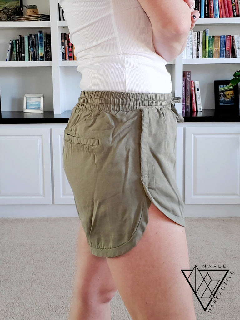 Tencel Scoop Hem Shorts - Olive