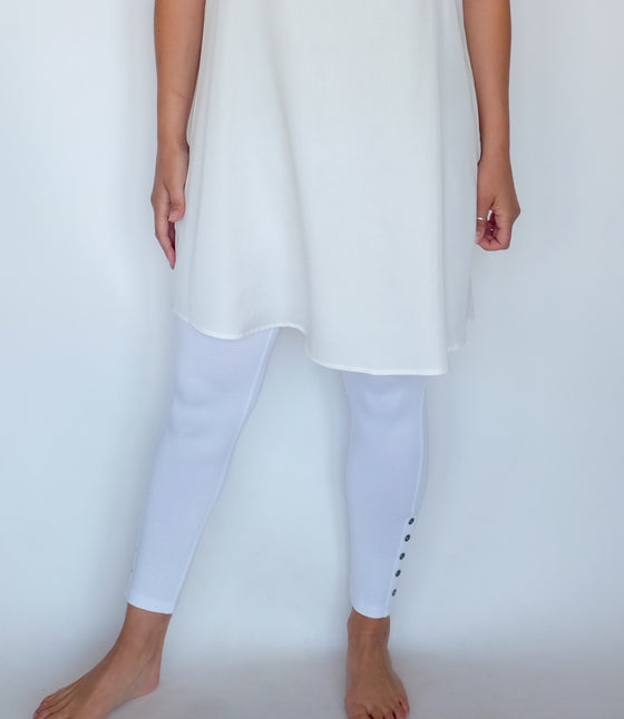 Comfy White Button Legging