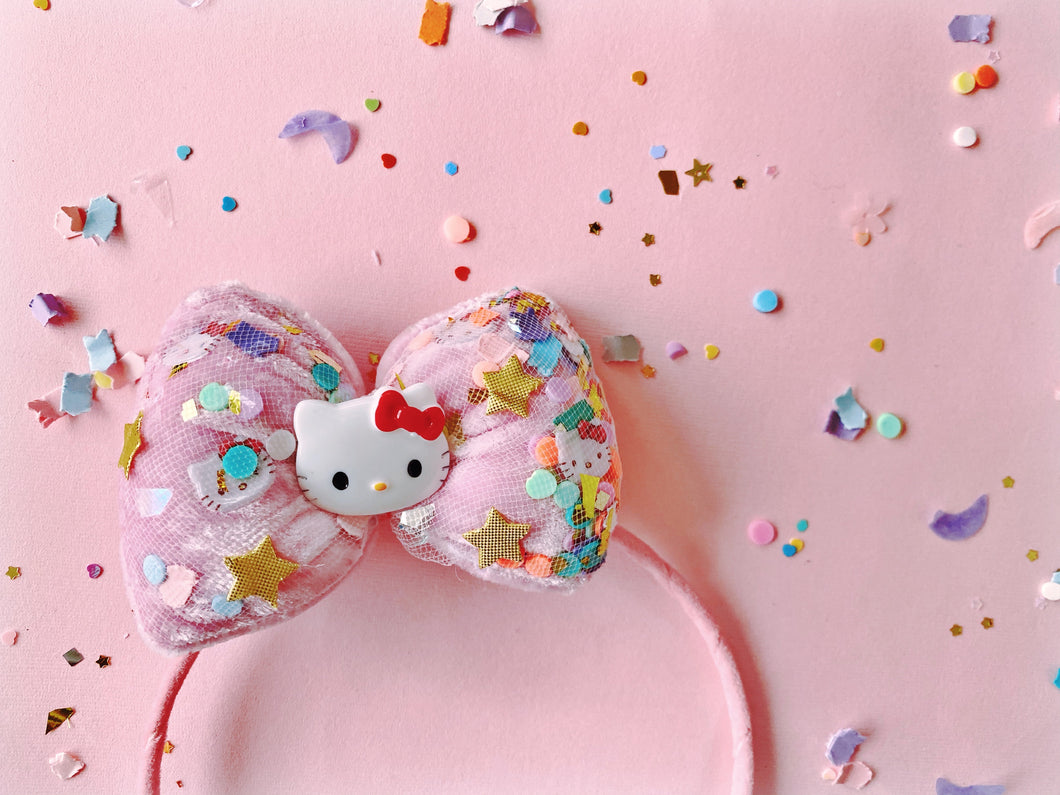 HELLO KITTY PUFFER BOW