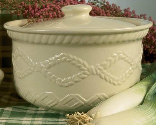 Aranware Covered Casserole Dish