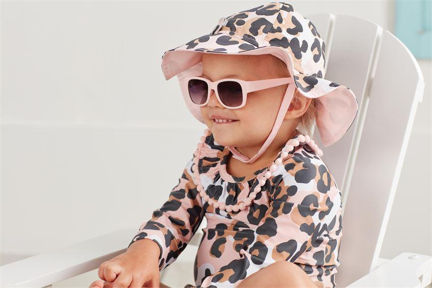 Leopard Sunhat and Glasses
