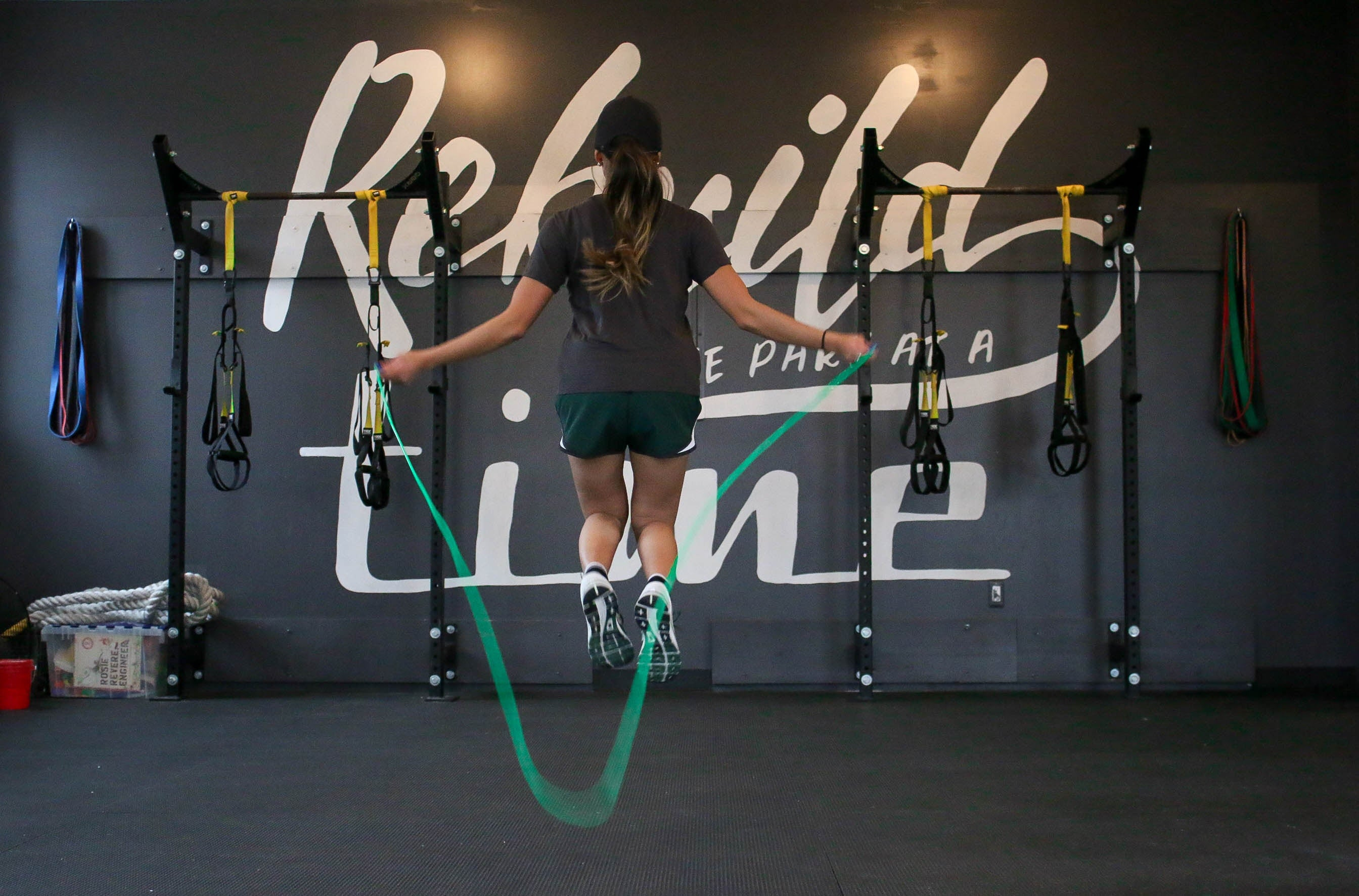 85 Jump Rope Exercises[From Beginner to Advanced]