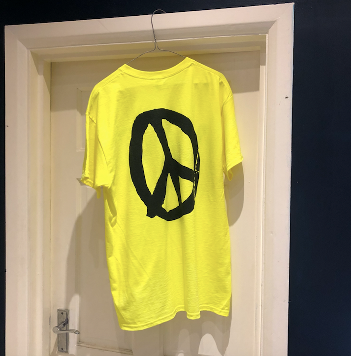 YES PEACE T-SHIRT NEON GREEN
