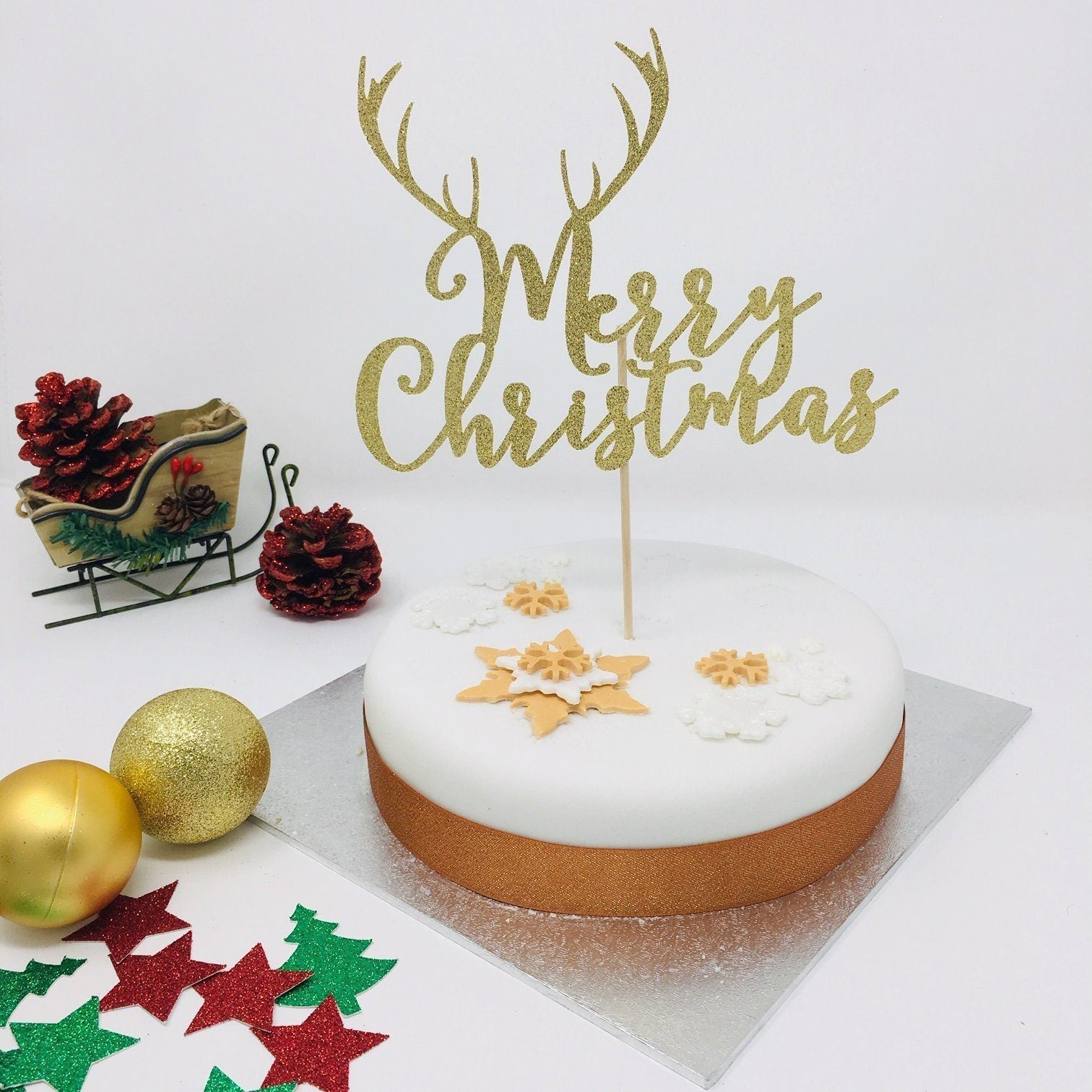 Merry Christmas Cake Topper with Reindeer Antler – Pomchick
