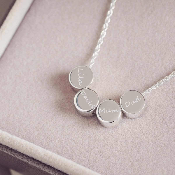 Family necklace with four names