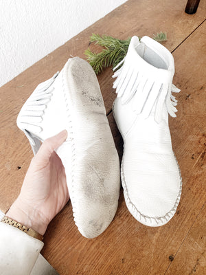 Vintage Taos White Leather Mocs 8.5/9