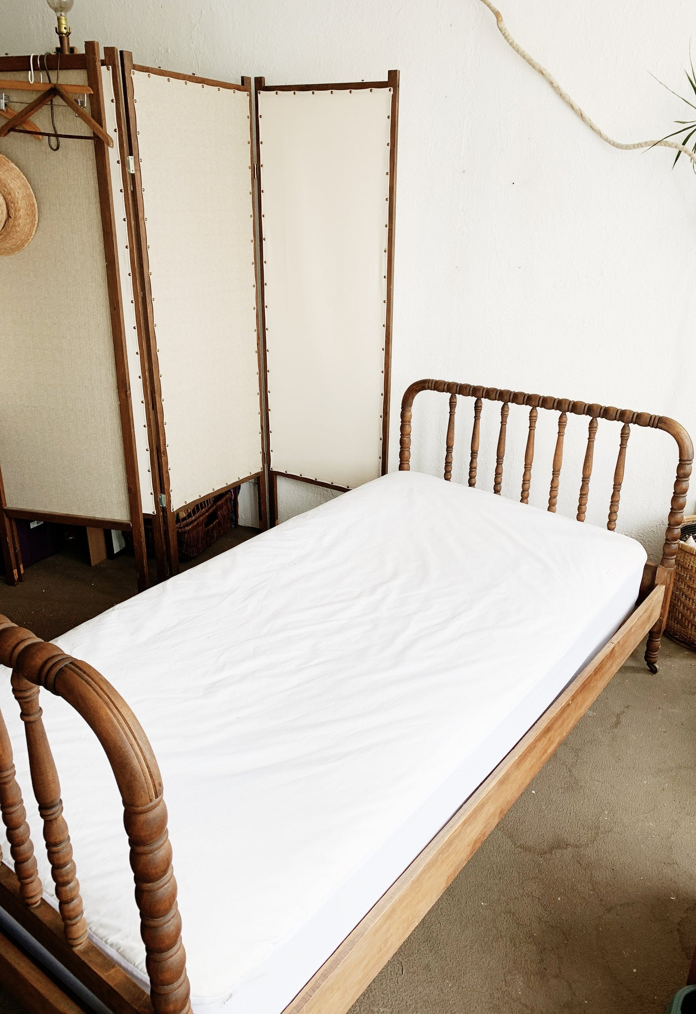 Antique Twin Spindle Bed