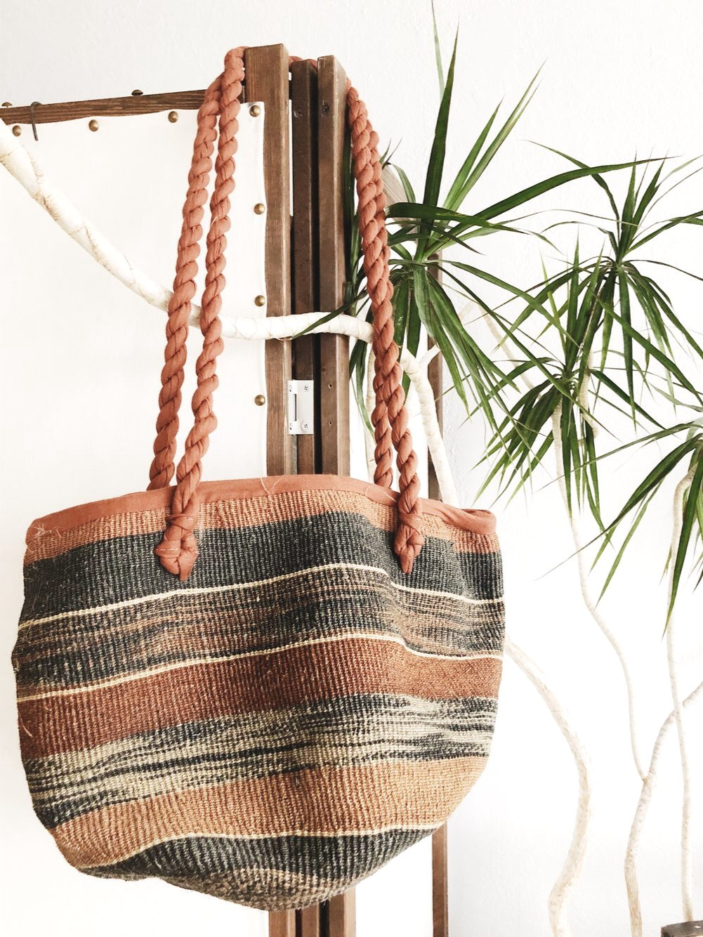 Large Vintage Woven Straw Tote
