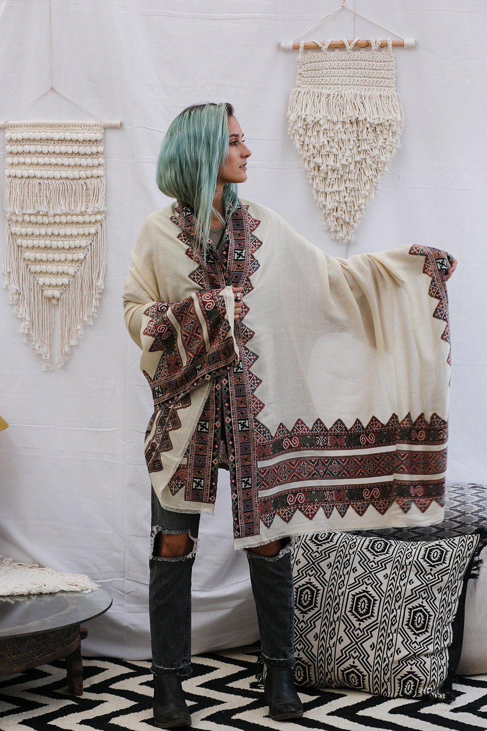 Embroidered Large Kulu Shawl in Off-White Wool