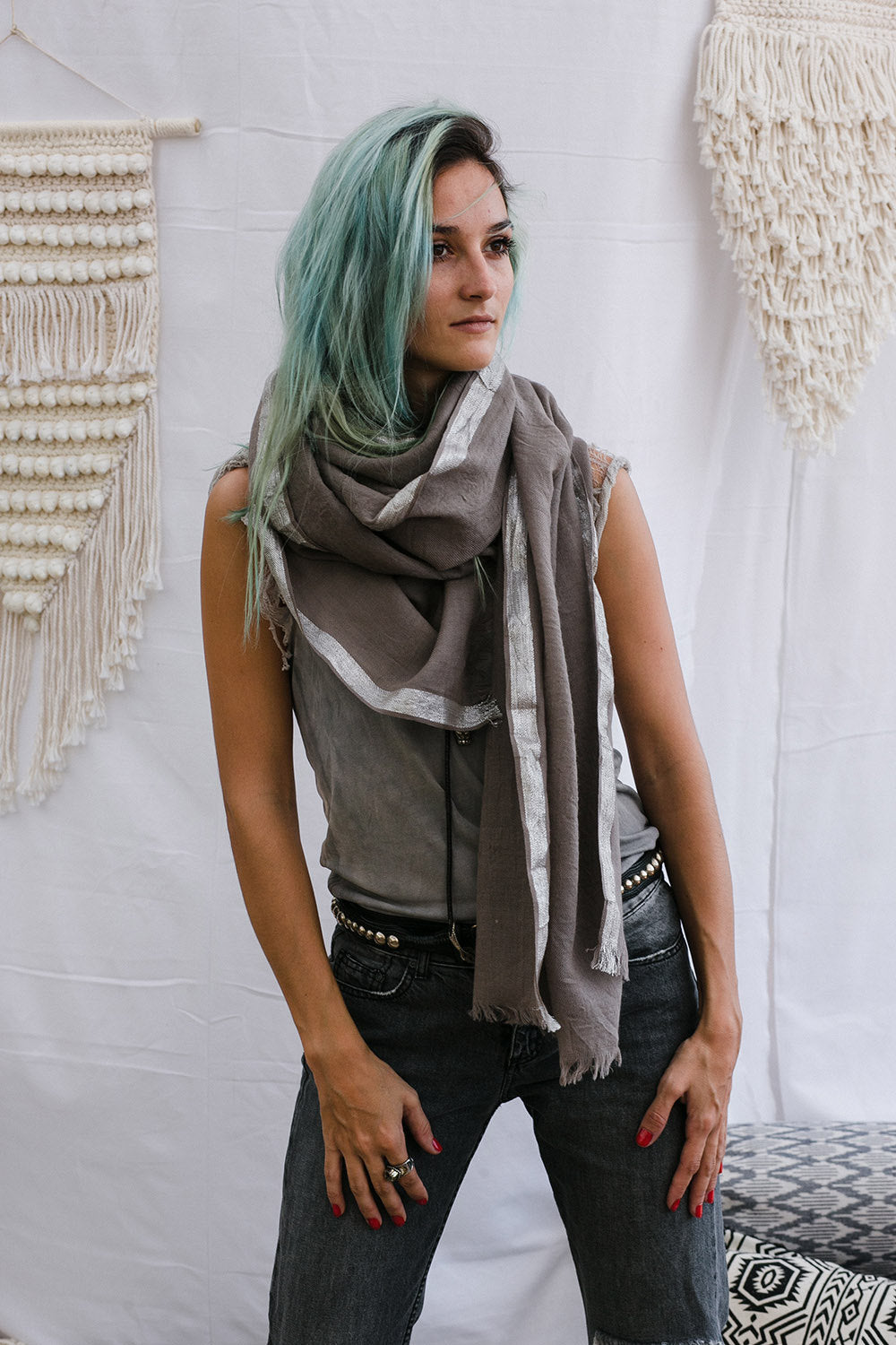 HELENE SCARF BEIGE AND SILVER