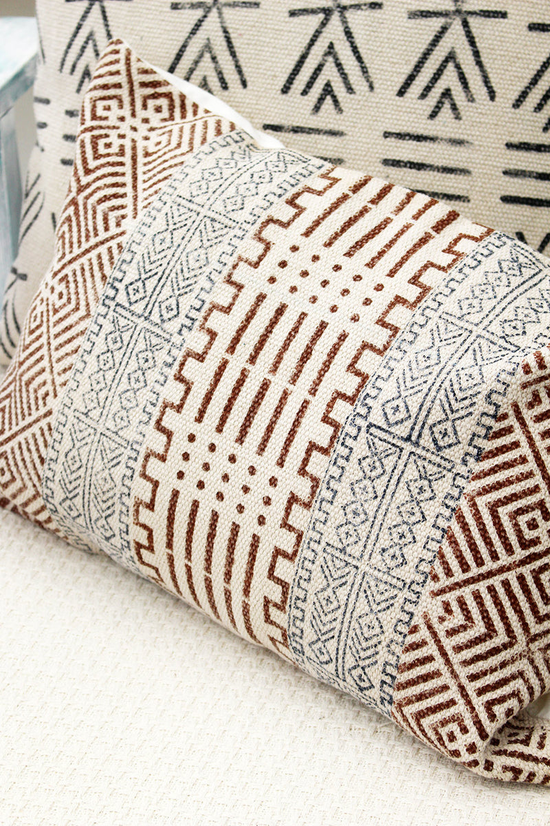 TSCHOUK RECTANGLE DECORATIVE CUSHION COVER