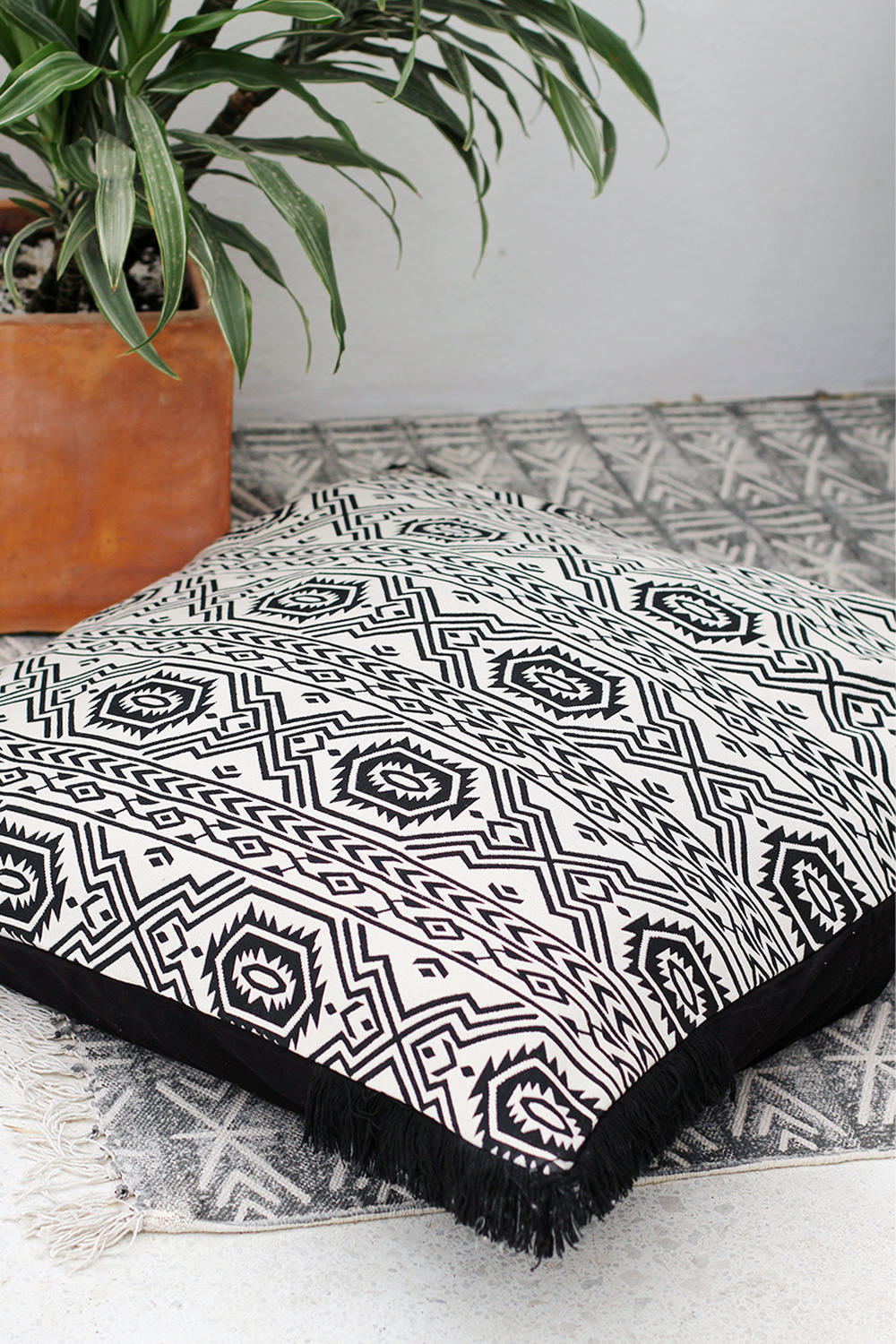 KUBO SQUARE DECORATIVE CUSHION COVER