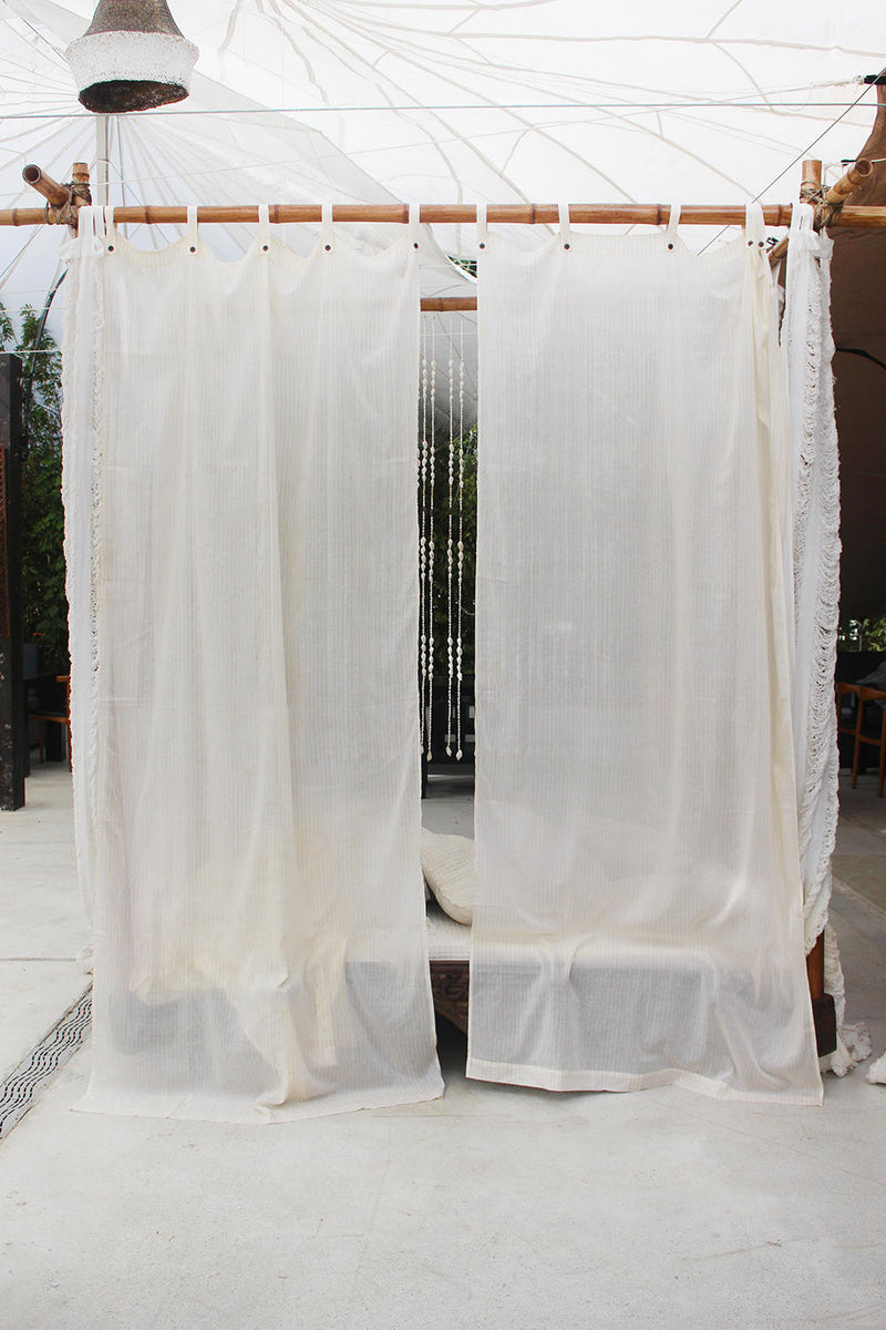 ARROW CURTAIN
