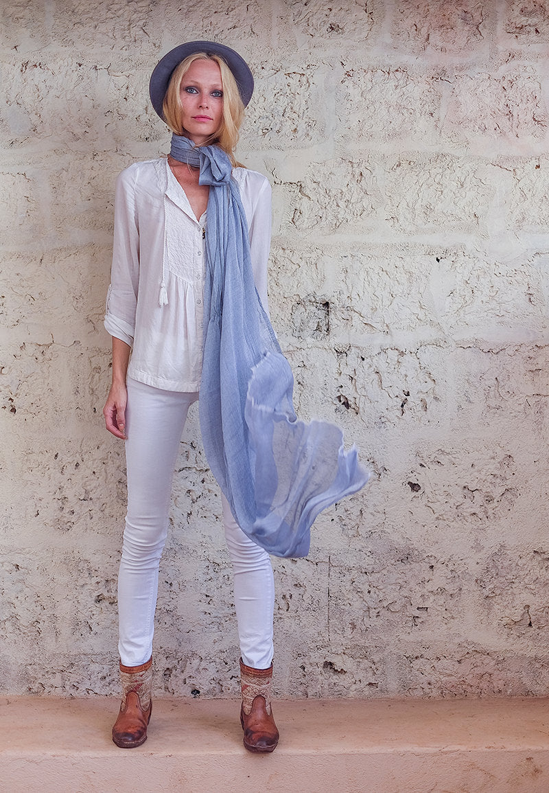 TAMAR SCARF LIGHT BLUE