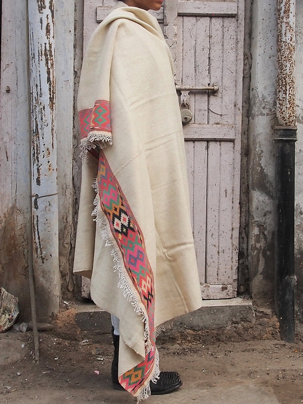 MADHU THROW BLANKET OFF WHITE