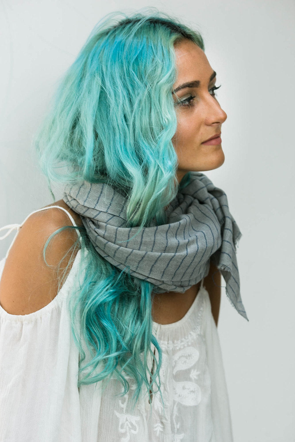 GONNI SCARF LIGHT GREY AND DARK GREY