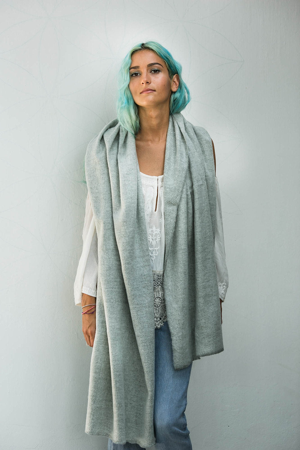 JUL SCARF GREY AND OFF-WHITE