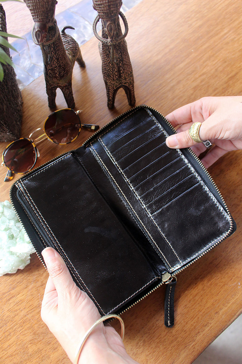 AMALIA WALLET BLACK AND PURPLE