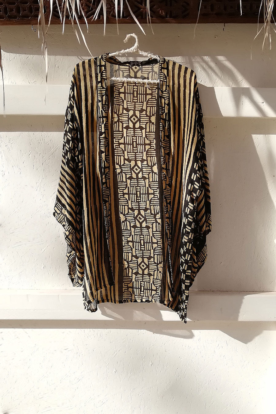 Short Unisex Kimono in Black and Beige Block Print