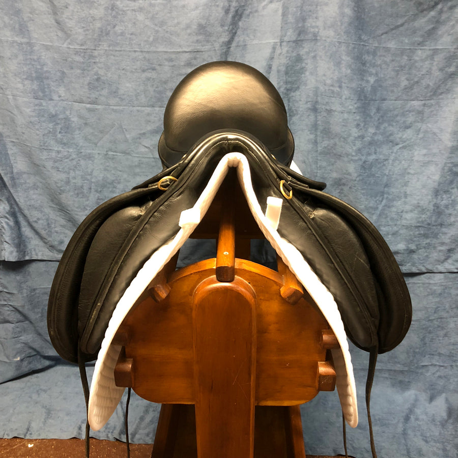 "18"" JRD Dressage Saddle (#551)"