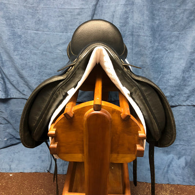 "Rembrandt Dressage Saddle 17.5"" Seat"
