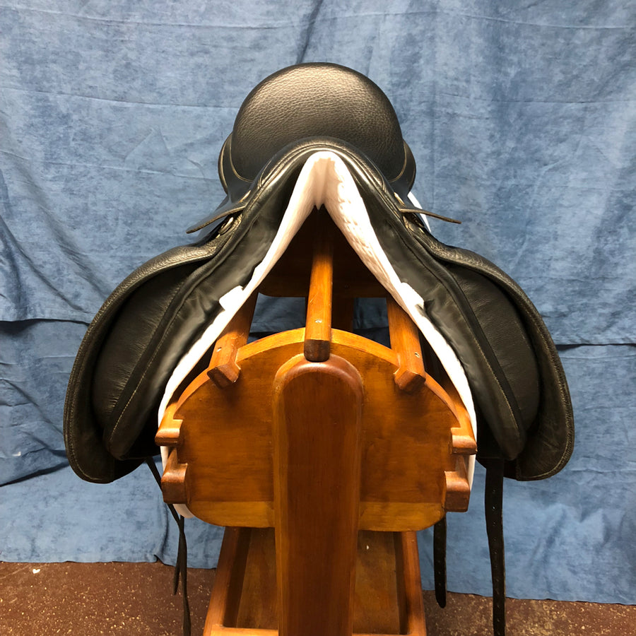 "17.5"" Rembrandt Dressage Saddle (#465)"