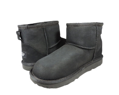 UGG K CLASSIC MINI II: BLACK - Got Your Shoes