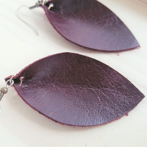 Blackberry / Leather Earrings / Leaf Style / Medium / Joanna Gaines