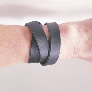 Black / Leather Wrap Bracelet / Adjustable / Snap Closure / FREE SHIPPING