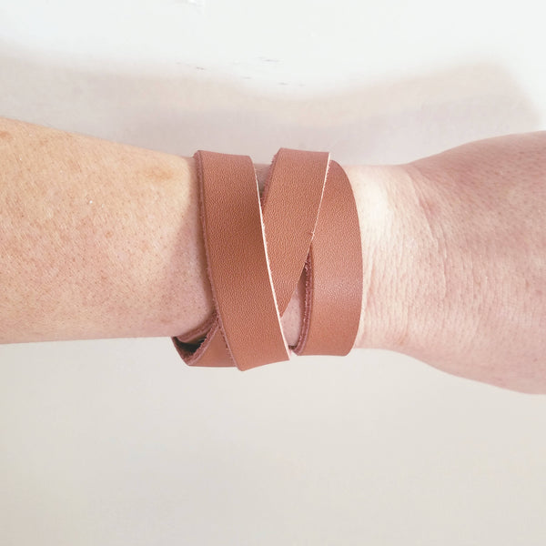 Brown / Leather Wrap Bracelet / Adjustable / Snap Closure / FREE SHIPPING