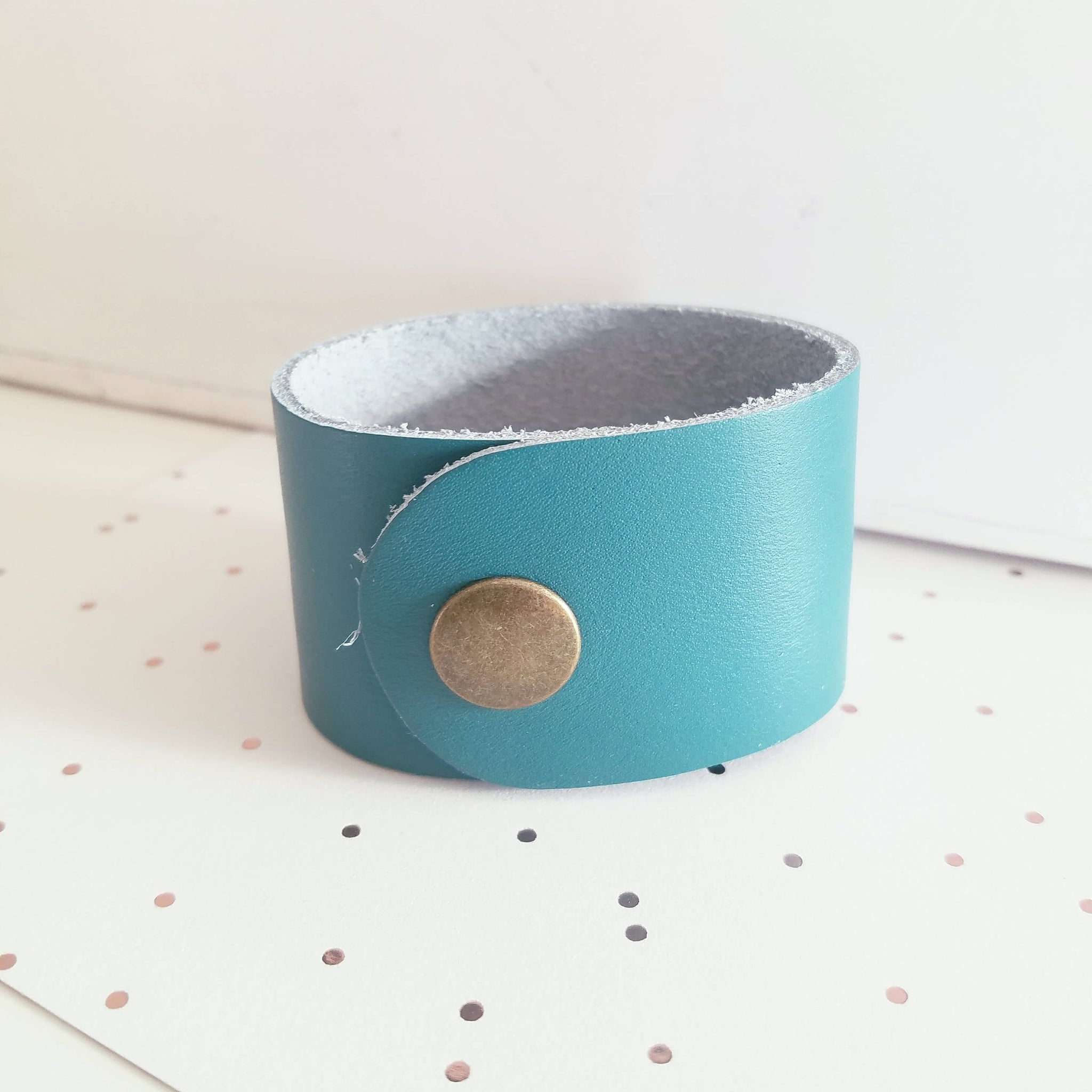 "Turquoise / Leather Cuff Bracelet / Adjustable Snap Closure / 1.5""x 9"" / FREE SHIPPING"