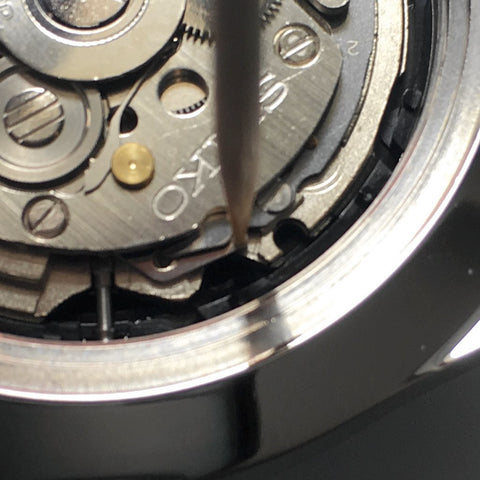 Pulling the crown and stem out - [TUTORIAL] How To Modify Your SEIKO Watch - Dial and Hands by Lucius Atelier