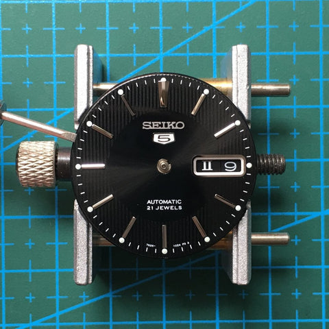 Removing the watch dial - [TUTORIAL] How To Modify Your SEIKO Watch - Dial and Hands by Lucius Atelier