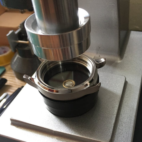 Fitting a new sapphire crystal on a SEIKO Watch - Lucius Atelier