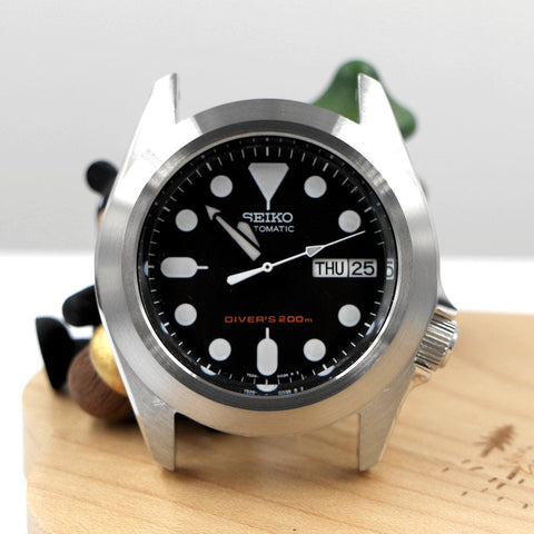 SKX013 The Pilot Bezel - Silver Brushed by Lucius Atelier | SEIKO Mod Part