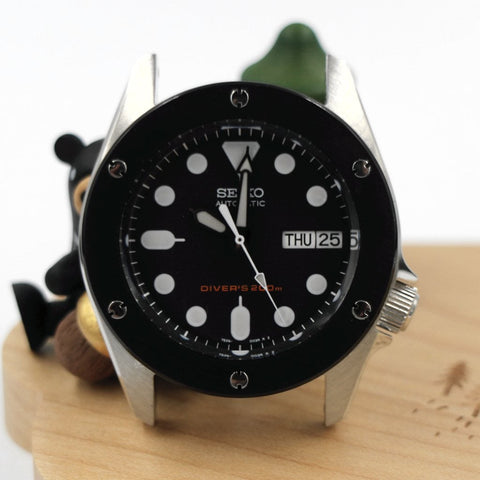 Hublot-Inspired SKX013 The Big Bang Bezel - Black by Lucius Atelier | SEIKO Mod Part