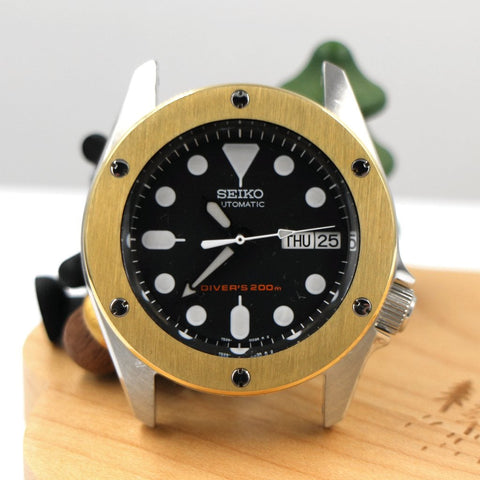 Hublot-Inspired SKX013 The Big Bang Bezel - Gold by Lucius Atelier | SEIKO Mod Part