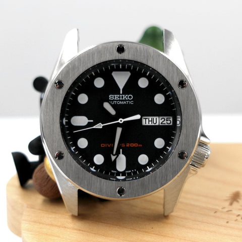 Hublot-Inspired SKX013 The Big Bang Bezel - Silver by Lucius Atelier | SEIKO Mod Part