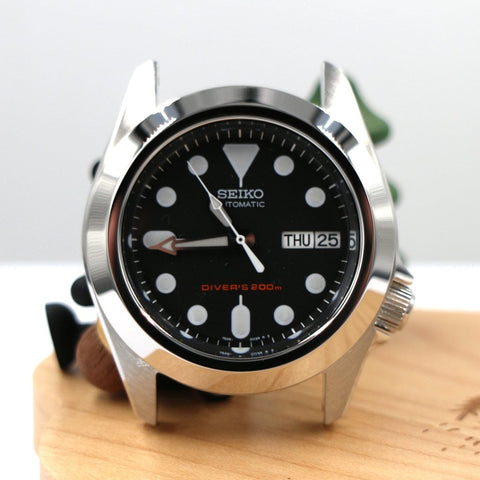 SKX013 The Pilot Bezel - Silver Mirror Polished by Lucius Atelier | SEIKO Mod Part