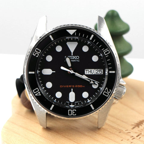 SKX013 BGW9 Lumed Sapphire Bezel Insert - Black Submariner - A SEIKO Mod Part by Lucius Atelier