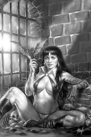 Vampirella #11 - 1:50 Ratio Virgin B&W Variant - Lucio Parrillo