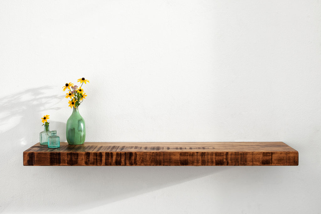 Stratus Floating shelves with HOVR Bracket - Rustic Maple