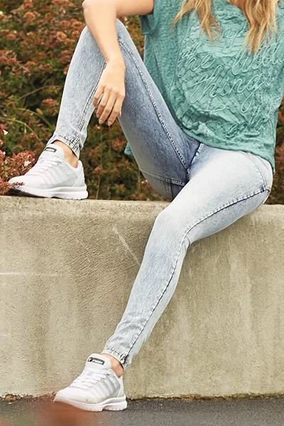 Skinny Jeans For Women | Medium Rise Denim | Butt Lift Enhance Stretch
